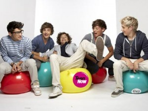 One Direction spend the day fooling around with Teen Now   Teen Now